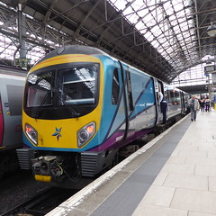 185121 at Manchester Piccadilly (12/9/19) (*ECMLexpress*) Tags: first transpennine express class 185 desiro dmu 185121 manchester piccadilly wcml