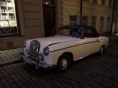 1958 Mercedes-Benz 220 SE Cabriolet (skumroffe) Tags: 1958mercedesbenz220secabriolet mercedesbenz220secabriolet mercedesbenz220se mercedesbenz220 cabriolet cab convertible mercedesbenz mercedes voiture car auto bil coche gamlastan oldtown stockholm sweden 1958