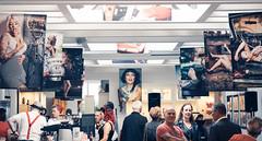 """Pin it up"" – Elena F. Barba & Thomas Quinten (designladen.com) Tags: cafépikant elenafbarba p9121803 olympusem1markii olympus olympusm45mmf12 45mm"