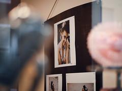 """Pin it up"" – Elena F. Barba & Thomas Quinten (designladen.com) Tags: cafépikant elenafbarba p9121819 olympusem1markii olympus olympusm45mmf12 45mm"