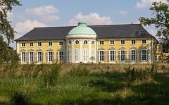 Schloss Peseckendorf (Helmut44) Tags: deutschland germany sachsenanhalt peseckendorf börde schloss baudenkmal renaissance architektur castle window fenster