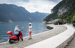 Sul lago di Garda (Anteriorechiuso Santi Diego) Tags: couple coppia garda lake vespa
