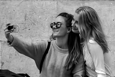 Selfie (Roi.C) Tags: monochrome black white bw people women outside outdoor candid ligh portrait europe nikon d5300 nikkor 2018 photography photo digital shot street humans persons picture town image camera interesting 18140mm young woman girl girls selfie lisboa lisbon portugal beautifulwoman beautifulgirl blackandwhite