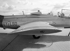 L-29 Dolphin (LarsHolte) Tags: blackandwhite bw 120 film monochrome analog mediumformat denmark 645 pentax dolphin jet ishootfilm 120film f45 airshow analogue rodinal 6x45 danmark trainer foma 100iso pentax645 filmphotography fomapan l29 classicblackwhite 645n homeprocessing aph09 filmforever smcpentaxfa 4585mm fomapan100classic larsholte roskilde