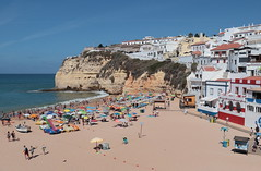 Summertime (Behappyaveiro) Tags: beach summer summertime carvoeirobeach algarve atlanticocean oceanoatlântico verão praia europa europe céu sky bluesky céuazul ocean portugal