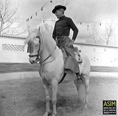 Howard Smith (Arxiu del So i de la Imatge de Mallorca) Tags: mallorca majorca hombres men homes cavalls caballos horses