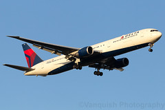 N842MH Delta Airlines B767-400 new York JFK Airport (Vanquish-Photography) Tags: n842mh delta airlines b767400 new york jfk airport vanquish photography vanquishphotography ryan taylor ryantaylor aviation railway canon eos 7d 6d 80d aeroplane train spotting kjfk newyorkjohnfkennedy newyorkjohnfkennedyinternationalairport john f kennedy international newyorkjfk newyorkjfkinternationalairport newyorkjfkairport