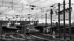 Paris-Est (Philippe Haumesser (+ 8000 000 view)) Tags: railway rails gare station bâtiment building noiretblanc blackandwhite monochrome lignes lines quai tgv train paris france nikond7000 nikon d7000 reflex 2019 panoramique