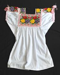Purepecha Blouse Mexico Michoacan Textiles (Teyacapan) Tags: blusas mexicanas mexican blouses purepecha michoacan embroidered bordados sanjosedegracias flowers