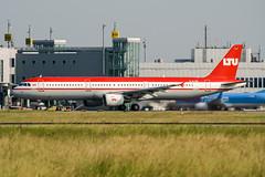 D-ALSB (PlanePixNase) Tags: eddl dus dusseldorf düsseldorf airport aircraft planespotting lohhausen ltu airbus 321 a321