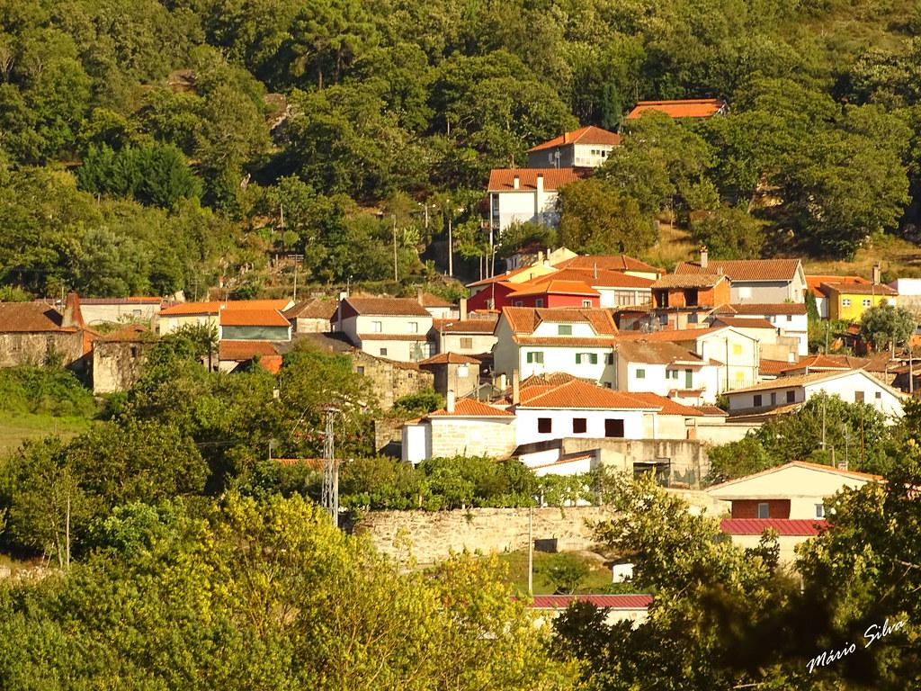 Águas Frias (Chaves) - ... uma vista de parte da Aldeia ...
