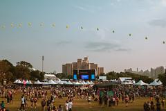 EXPERIENCE-104443-rohofoto (foundersentertainment) Tags: sunday gb19 balloons sky day blue pagoda balloonchain cabanas govballnycstage