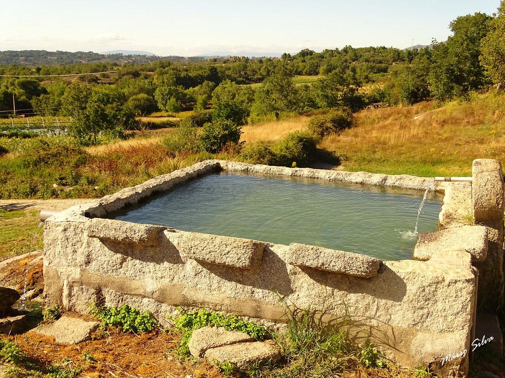 Águas Frias (Chaves) - ... o tanque do fundo da Lampaça ...