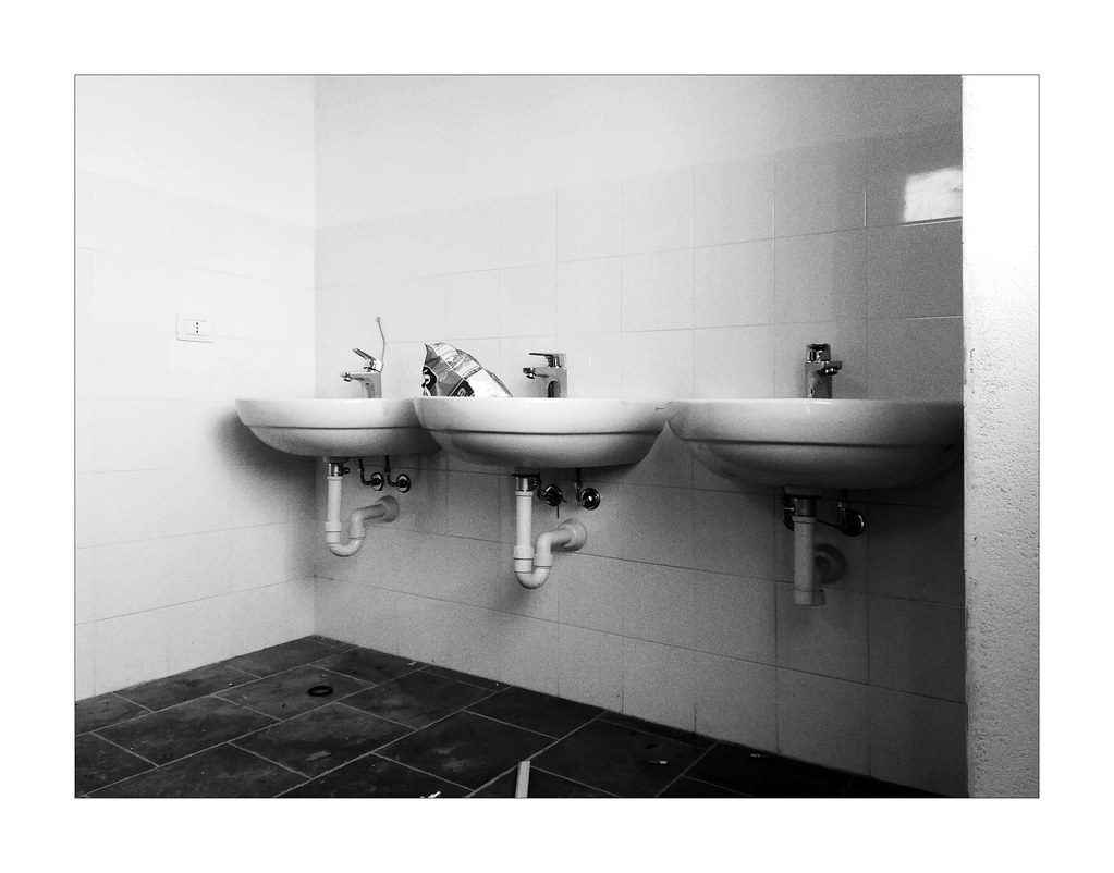 The World\'s newest photos of noiretblanc and toilet - Flickr ...