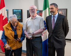 YUKON: Award recipients/lauréats Louie Smith and/et Ted Ackerman with/avec Premier/premier ministre Sandy Silver