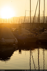 Sunset (Ludtz) Tags: ludtz leica leitz leicamtyp240 m240 rangefinder télémétrique télémètre leitzcanada teleelmarit90|28 geneva genève lac lake lacléman leman léman lescale sunset coucherdesoleil marina boats bateaux port harbor suisse switzerland summer eté