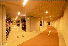 World's Largest Bike Garage (Peter Heuts) Tags: utrecht netherlands nederland niederlande pays bas olanda bikes bike garage worldslargest fietsenstalling gröste largest sony a99ii mark2 fullframe carlzeiss sal1635z peterheuts photography fotografie