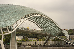 DSC00807-2 (herrenhaus) Tags: friedensbrücke tiflis georgien city architektur