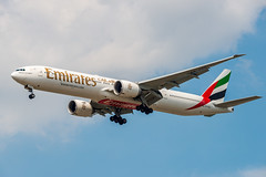 A6-EQC Emirates Boeing 777-31H(ER) (Lin.y.c) Tags: a6eqc emirates boeing 77731her 777 773 777300er 773er aviation airplane ord kord chicago 2019 201907 20190726