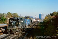 CR 7855-2587-3214, CP BURN, Allentown, PA. 10-22-1977 (jackdk) Tags: train railroad railway locomotive emd emdgp38 emdgp382 gp382 gp38 cr conrail reading readingline readingrailroad rdg fallenflag standardcab pc penncentral conrail7855 7855 cpburn burntower allentown allentownpa fallcolor