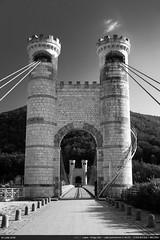 Pont de la Caille (Ludtz) Tags: ludtz leica leitz leicamtyp240 m240 rangefinder télémétrique télémètre wetzlar summicronc40|2 summicron alpes alps rhônealpes allonzierlacaille 74 hautesavoie pontdelacaille lacaillebridge pont bridge noirblanc bw