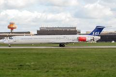 SE-DIL (PlanePixNase) Tags: aircraft airport planespotting haj eddv hannover langenhagen mcdonnell douglas md82 sas scandinavian