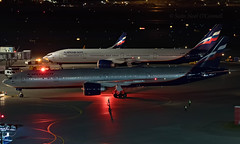 VQ-BFL - Boeing 777-3M0ER - SVO (Seán Noel O'Connell) Tags: aeroflot vqbfl boeing 7773m0er b777 b773 b77w 777 sheremetyevointernationalairport svo uuee tlv llbg su503 afl503 nightphotography aviation avgeek aviationphotography planespotting