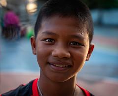Khlong Toei (grab a pic) Tags: thailand bangkok bangkokmetropolitanregion street boy portrait people canon outside eos outdoor streetphotography 5d 2019 khlongtoei canoneos5dmarkiv