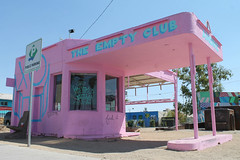 The Empty Club (Flint Foto Factory) Tags: las vegas nevada henderson county urban city late summer september 2019 downtown vacation holiday fremont street emptyclub theemptyclub andre saraiva artist lifeisbeautiful music festival old former gas station pink art installation