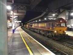Cheltenham by night (Riolo100) Tags: ews freight dbcargo railway cheltenham 66133 6z67