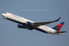 """Boeing, 767-332(ER), N177DN, """"Delta Airlines"""", EGLL, London, United Kingdom (Daryl Chapman Photography) Tags: n177dn boeing 767 763 dl dal delta deltaairlines 346 25122 london heathrow airport plane planes planespotting planephotography aviation aviationphotography canon 5d mkiv 100400lii"""