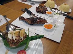Filipino food lunch (_gem_) Tags: philippines metromanila food restaurant lunch manila smstamesa kuyaj filipino filipinofood filipinorestaurant rice chicken