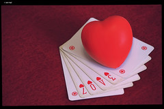 IMG_5342 (anto-logic) Tags: amore rosso passione cuore cartedagioco bello tenero abbraccio hugs giocare giocoso effusioni tenerezza red heart love passion playingcards nice tender embrace composizione colorate gioia gioiose luce luci puntodivista profonditàdicampo colors design composition compo colorful joy joyous life light lights beautiful pretty cute gorgeous wonderful fabulous magnificent superbwarm naturallight skin lighting framing crop charming pov dof bokeh focus pointofview depthoffield postproduzione postproduction lightroom filtro filter effetti effects photoshop alienskin eos canon