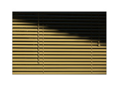 La Véranda - deluxe (Armin Fuchs) Tags: arminfuchs nomansland véranda lavéranda stripes light shadow deluxe anonymousvisitor thomaslistl wolfiwolf jazzinbaggies