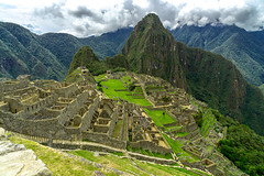 Peru - Machu Picchu (FidiX) Tags: peru perú machupicchu berge anden ruins inca landschaft landscape sony a6000 city old civilization citadel mountains worldheritage lost wolken clouds cloudy southamerica color historic history historical cusco travel holidays reisen urlaub unesco nature landscapes