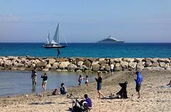 La Ciotat Beach / Les Capucins (Pantchoa) Tags: laciotat provence côtedazur plage mer méditerranée sable eau digue rochers voilier bateau croisière personnes ciel bleu côte rivage