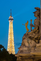 Paris (Yann OG) Tags: paris parisien parisian france french français pontalexandre3 bridge statue eiffeltower toureiffel bluehour heurebleue