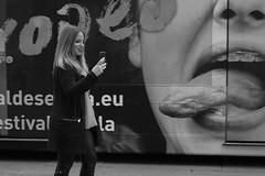 Tongue (ralcains) Tags: street spain andalucia blackandwhite noiretblanc leica monocromo schwarzweis sevilla m240 calle leicam240 streetphotography fotografiadecalle andalousia seville españa summicron andalusia blancoynegro bw monochromatic monocromatico siviglia blackwhite mirrorless 50mm telemetrica ngc monochrome rangefinder