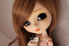 Little Friend (Siniirrphotography) Tags: pullip doll dolls siniirr photography nina kawaii cute junplanning jun planning danboard mini figure