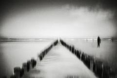 3450 (Elke Kulhawy) Tags: meer monochrome monochromes melancholie mystic ocean outdoor art abstract holland himmel kunst kontrast unscharf unendlichkeit blackandwhite bnw bw bnwbw bwphotographie black wasser water wolken clouds landscape landschaft verschwommen vignette
