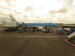 At Schipol Amsterdam. PH-EXS. (aitch tee) Tags: rhinecruise rhine getaway vikingrivercruise amsterdam holland schipholairport phexs luchthavenschiphol