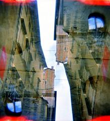 [#cotm2019] (Urca) Tags: holgalomo1201908100044 cortona italia 2019 holga lomo doppiaesposizione doubleexposure analog analogico 120 6x6 square medium multi film filmisnotdead toycamera