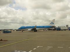 PH-EXZ. (aitch tee) Tags: rhinecruise rhine getaway vikingrivercruise amsterdam holland schipholairport luchthavenschiphol