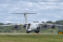 D5S_1141 (micro_lone_patriot) Tags: stewartinternationalairport red arrows royalairforce aerobaticteam ny raf airshow 2019 airbus a400m atlas