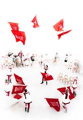 Baile de banderas. (Ricardo Pallejá) Tags: flags banderas travel tortosa tarragona turismo textura nikon d500 street urbana urban urbanexploration urbanphotography urbandecay cataluña catalonia catalunya calle contraste renacimiento people shades silueta sun spain celebration festivity performance