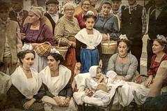 Famille provençale (Xtian du Gard) Tags: xtiandugard nîmes féria folklore famille portrait old family groupe enfants children