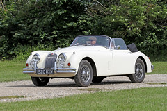 Jaguar XK150 (1959) (Roger Wasley) Tags: jaguar 920uxm 1959 toddington classic car vehicle oldtimer xk150