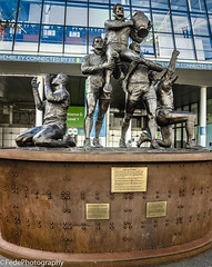 Wembley - Rugby League Legends (federicoloforte) Tags: wembley stadium park stadio vista walk rugby league panorama cuore arancione albero londra london uk england inghilterra