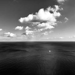 Roaming the baltic sea (frankdorgathen) Tags: smartphone iphone8plus mecklenburgvorpommern jasmund königsstuhl rügen monochrome blackandwhite schwarzweis schwarzweiss himmel sky wolken clouds meer ostsee balticsea