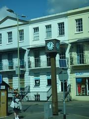 Royal Well Road, Cheltenham - clock (ell brown) Tags: cheltenham cheltenhamspa gloucestershire england unitedkingdom greatbritain spatown tree trees coach clock royalwellrd cheltenhambusstation crescentterrace